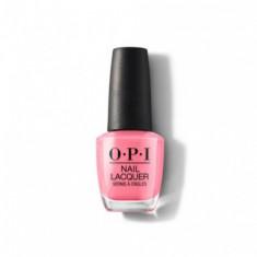 Лак для ногтей OPI CLASSIC Kiss Me I'M Brazilian NLA68 15 мл